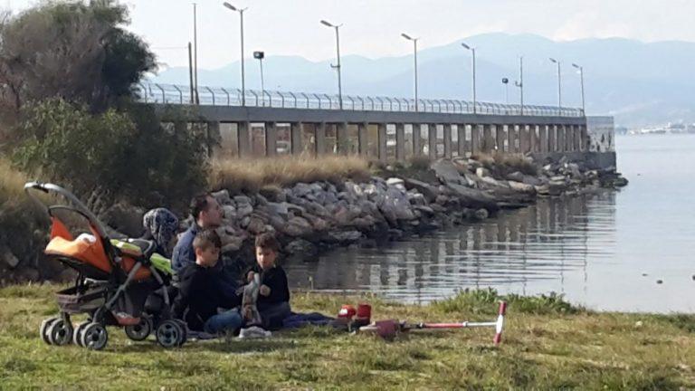 Πρόσφυγες στον καταυλισμό των Ναυπηγείων Σκαραμαγκά